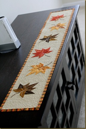 Simplistic, yet beautiful - this Anjeanette Klinder Tutorial can be found at: http://anjeanettek.com/2012/09/24/im-ready-for-fall-with-a-charm-leaf-tutorial/