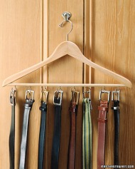 Let your personality shine through by painting or decorating this easy belt holder. Image and directions: http://www.the36thavenue.com/20-handmade-gift-tutorials-just-for-him/
