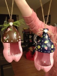 With a soda bottle/paint, you can make an awesome bird feeder. Image courtesy of creativecraftnights.blogspot.ca