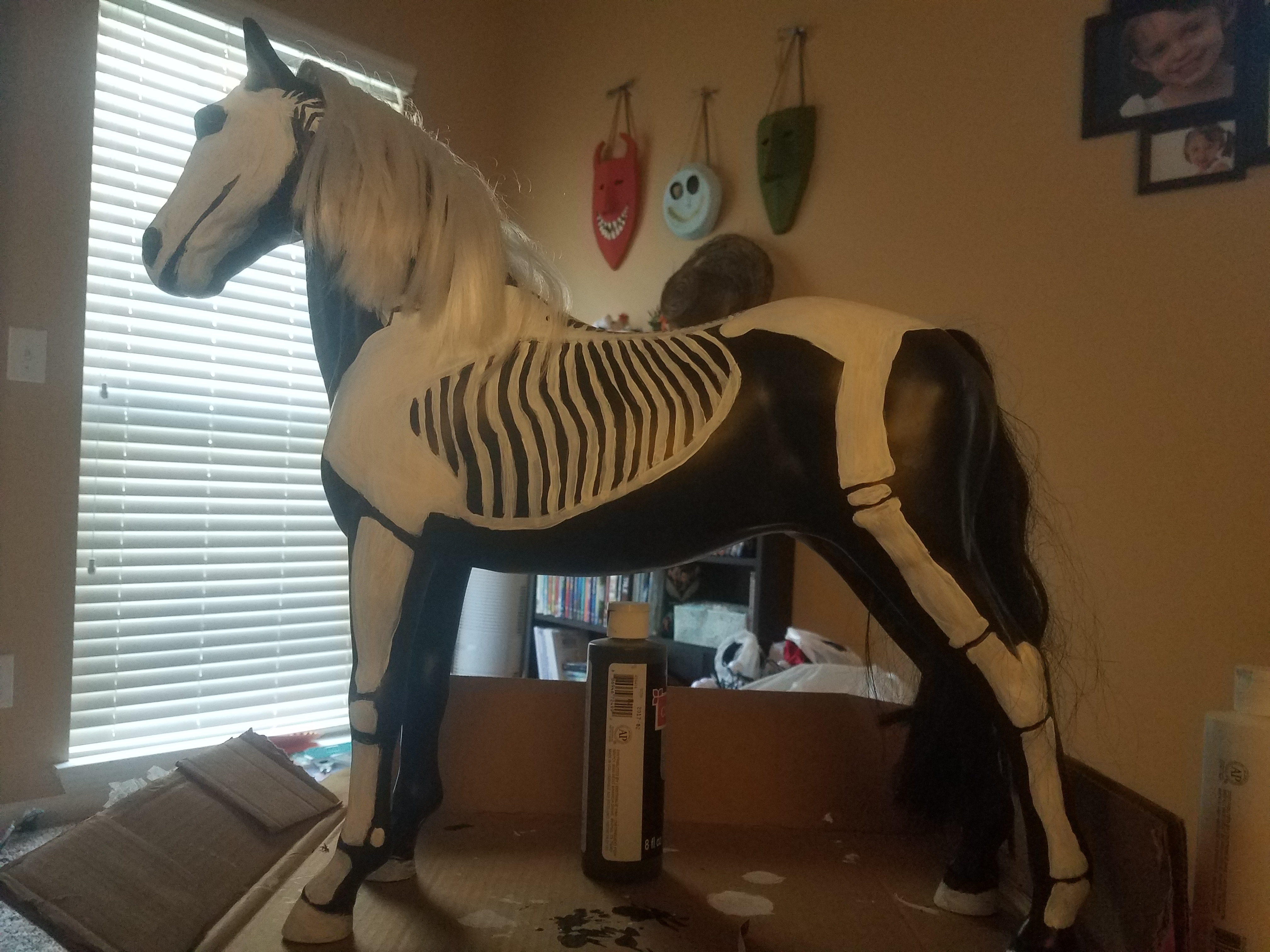an easy skeleton horse for halloween | frugal frights and delights
